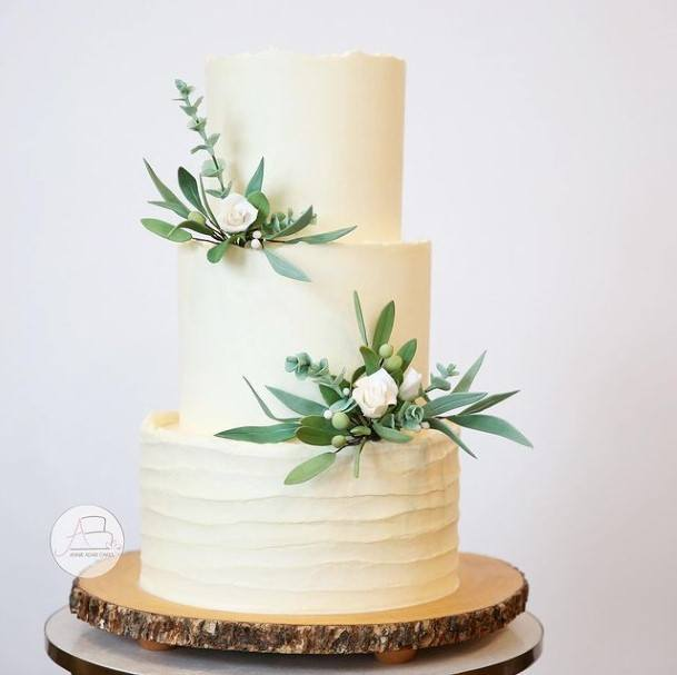 Flora Decor Buttercream Wedding Cake