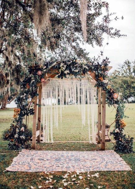 Flowing Garlands Boho Wedding Flowers