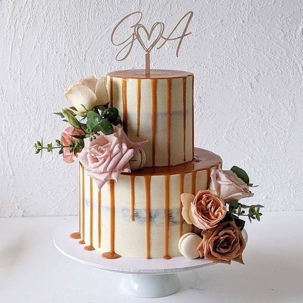 Flowing Honey Buttercream Wedding Cake