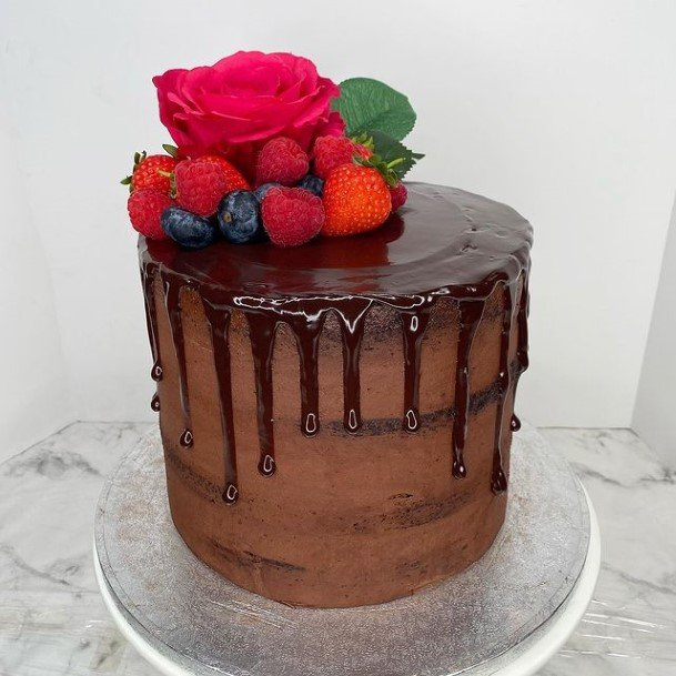 Flowing Icing Chocolate Cake Wedding