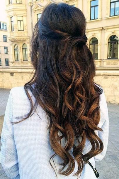 Flowing Wavy Brunette Hairstyle