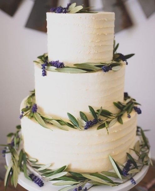 Forest Green Leaves On White Wedding Cake
