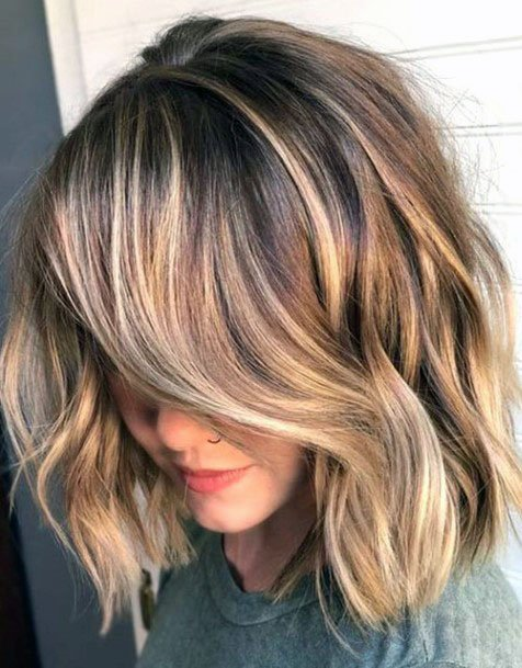 Free Flowing Golden Highlighted Hair Short