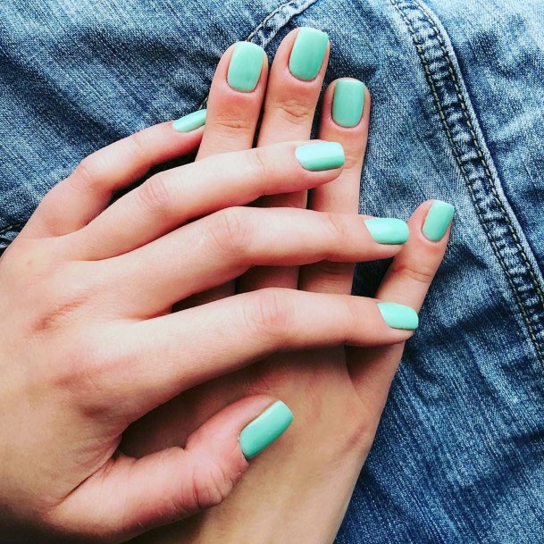 Fresh Mint Nails Women