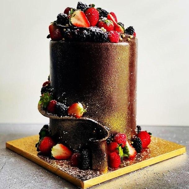 Glittering Chocolate Wedding Cake