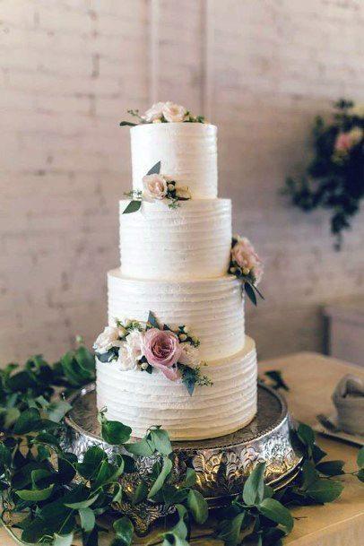 Golden Art On Wedding Cake Stand Women