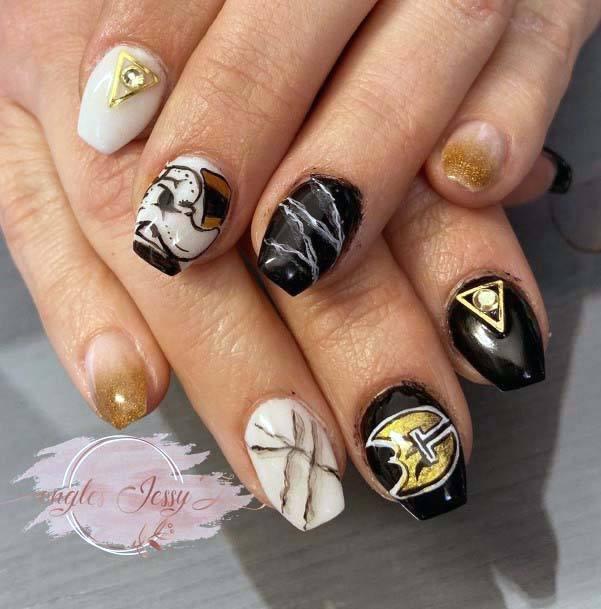 Golden Art Sport Nails Black And White For Women