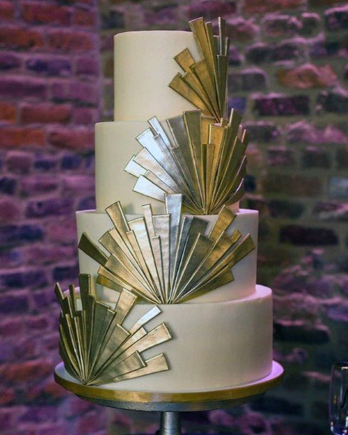 Golden Fan Art Work Wedding Cake
