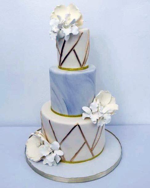 Golden Rimmed Round White Wedding Cake Stand Women