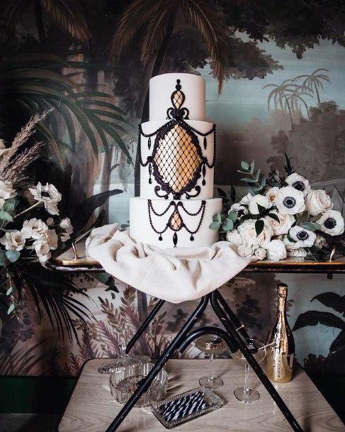 Gorgeous Art Work On 3 Tier Wedding Cake Women