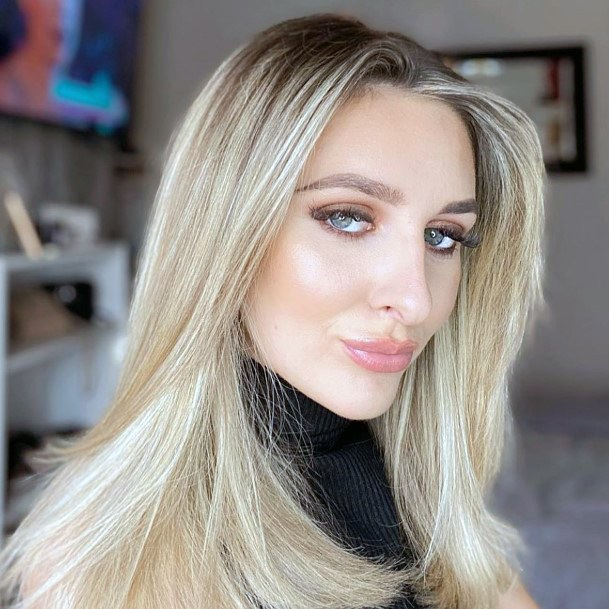 Gorgeous Blonde Pale Glossy Natural Long Hair Trendy Womens Style
