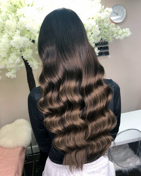 Gorgeous Classy Wavy Brunette Glossy Hairstyle For Perfect Womens Hair