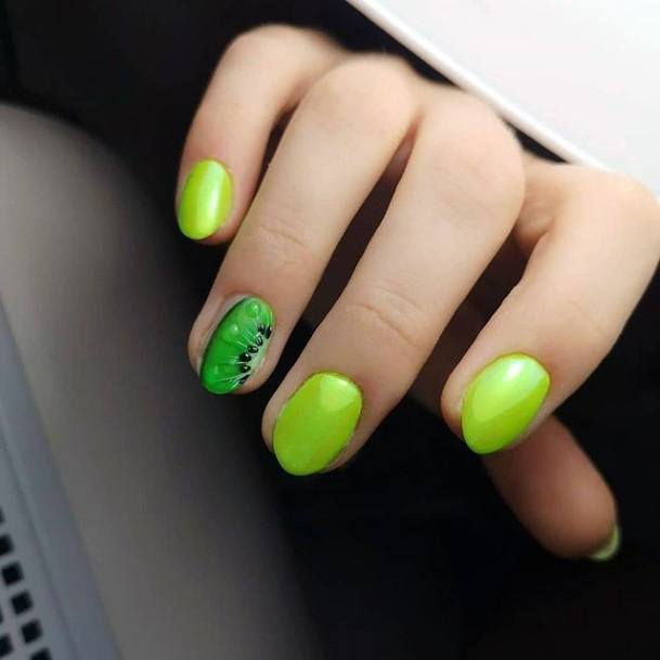 Gorgeous Green Nails Kiwi Accent Women