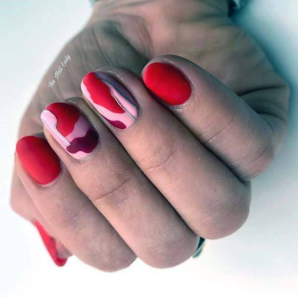 Gorgeous Red And Pink Matte Nails Art For Women