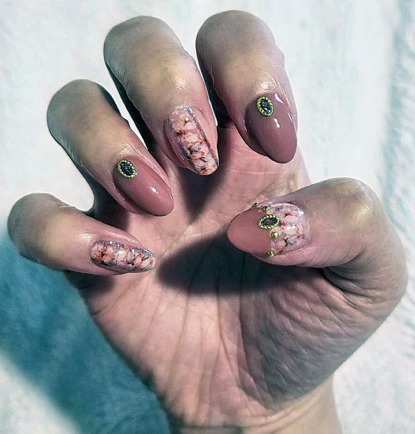 Gorgeous Shellac Nude Nails With Designs For Women