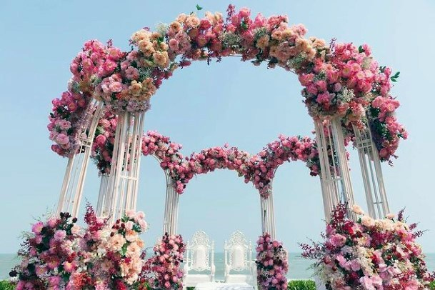 Grand Pink Indian Wedding Flowers
