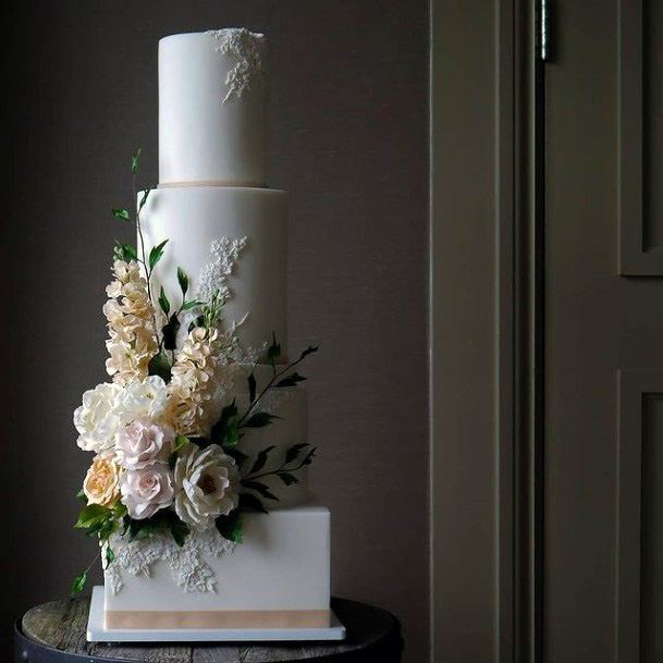 Grand Square Base Wedding Cakes