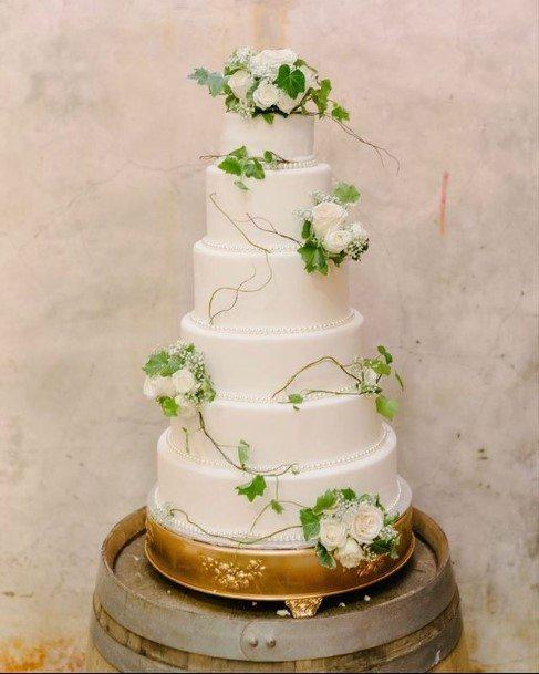 Green Creepers White Wedding Cake