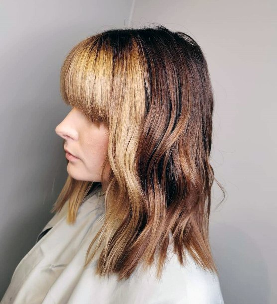 Half Brunette Blond Glossy Hairstyle With Cute Bangs For Women