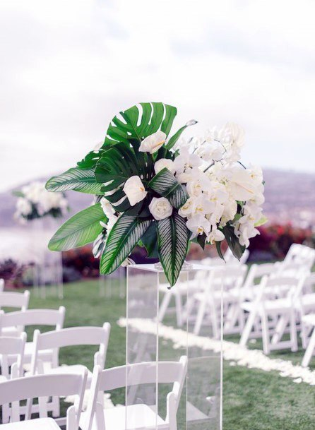 Hawaiian White Flowers And Green Wedding