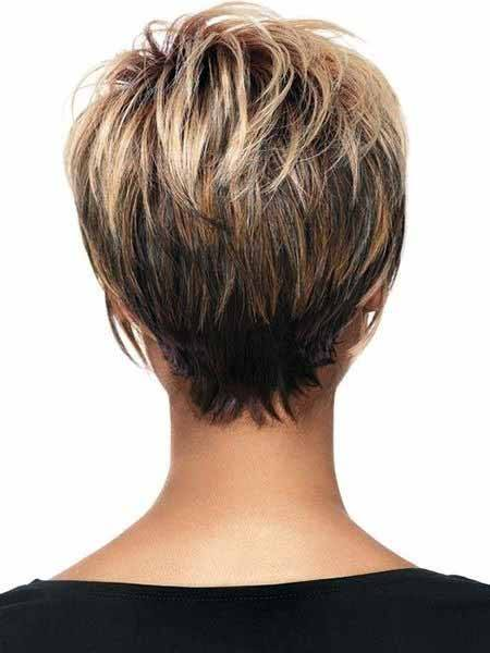 Highlighted Pixie With Layers Hairstyle For Women