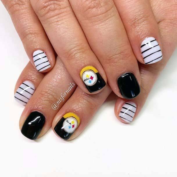Horizontal Stripes Black And White Sport Nails For Women