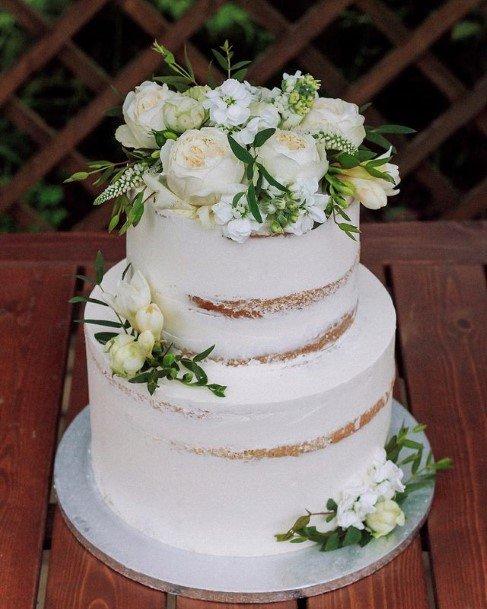 Illustrious White Wedding Cake