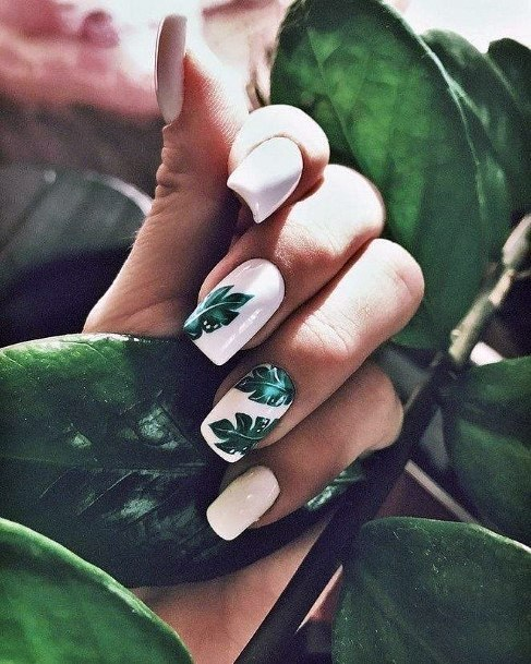 Jade Green Leaves Tropical Nails Women