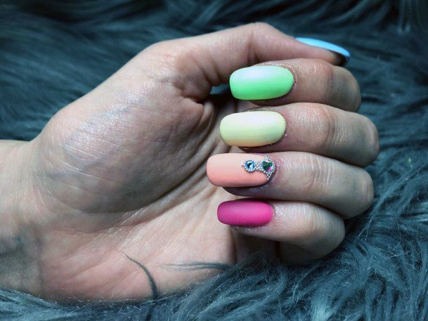 Juicy Colorful Nail Ideas For Women