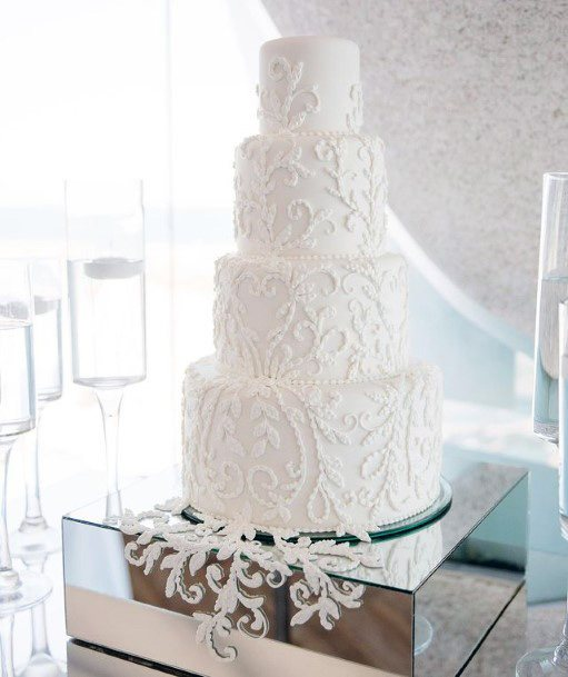 Lacy Art On Elegant White Wedding Womens Cake