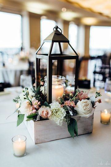 Lantern Decor Wedding Centerpiece Ideas