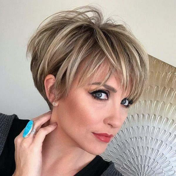 Layered Spiked Classic Hairstyle Women