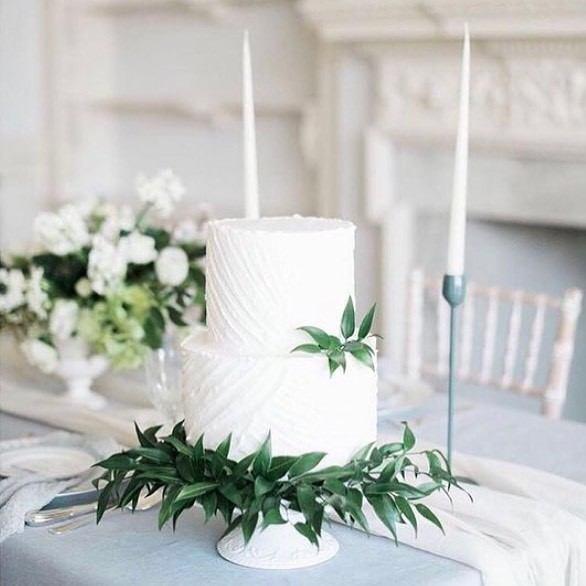 Leafy White Wedding Cake