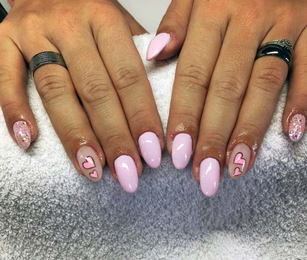 Light Pink Heart Pattern On Nails