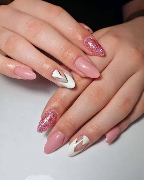 Light Pink Nails With Golden White Chevon