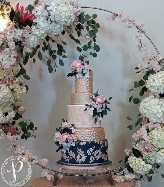 Luxurious And Elegant Wedding Cakes Women