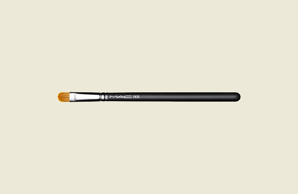 Mac 242s Synthetic Shader Makeup Brush For Women