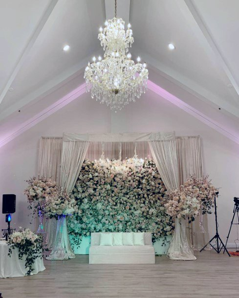 Magnificient Blush Wedding Flowers