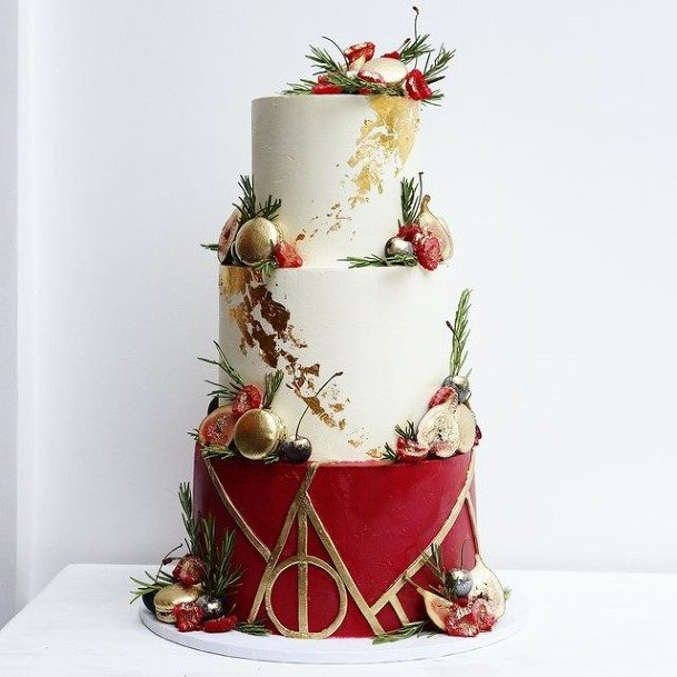 Matte Red And White Beautiful Wedding Cakes