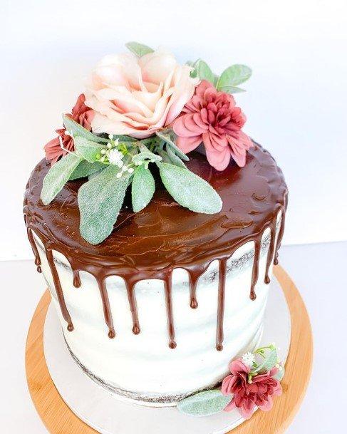 Melting Chocolate On Cake Wedding