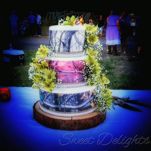 Midnight Blue And Plants Camo Wedding Cakes