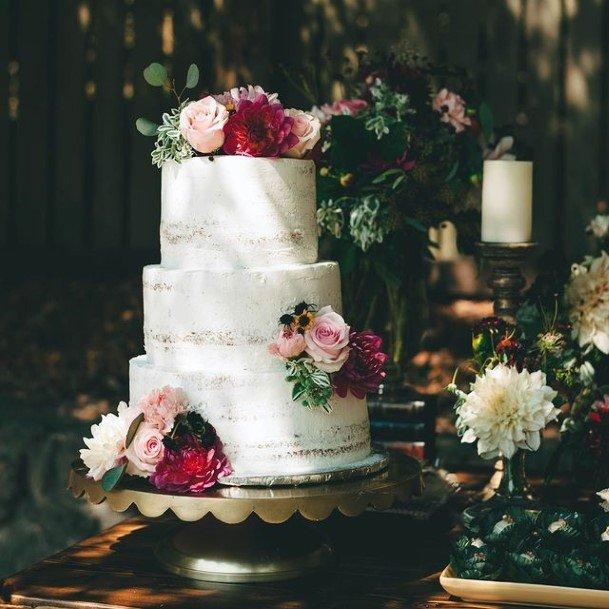 Milky White Beautiful Wedding Cake With Flowers
