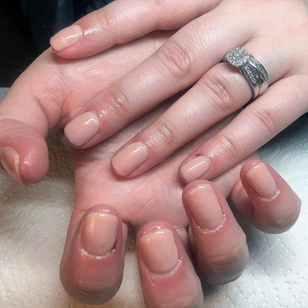 Minimal Art Nude Nails