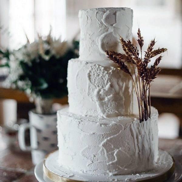 Minimalist Bohemian White Cake With Dried Grass Wedding Cake Ideas