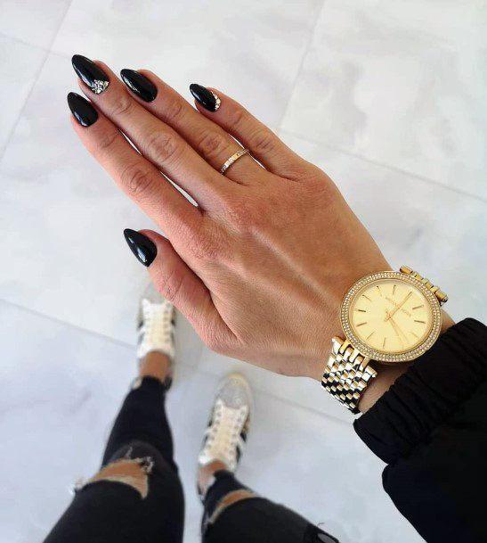 Modern Black Nails For Women