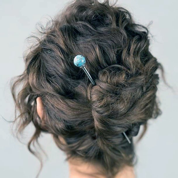 Modern Messy French Twist For Teenage Girls And Women