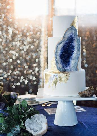 Natural Crystal Themed Wedding Cake Stand Women