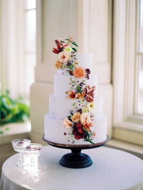 November Wedding Flowers On Cake