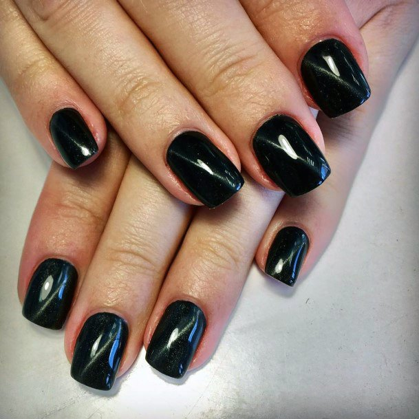 Penetrating Black Dark Cat Eye Nails
