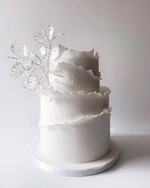 Pleasant White Wedding Cake